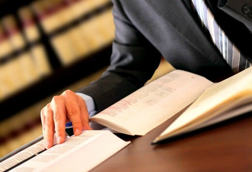 What To Look For When Choosing A Lawyer To Handle Your Case